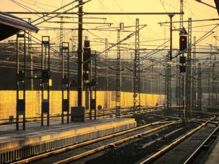 Im Geflecht der Energiewende: Auch die Bahnpreise steigen